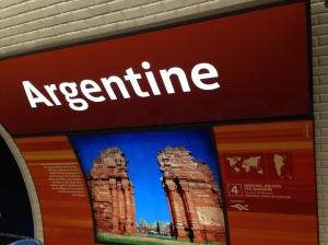 Cap Women_Argentine_Métro 002